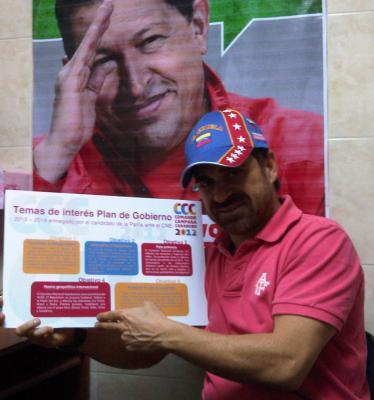LA DEMOCRACIA DE CHAVEZ